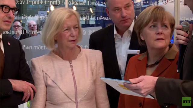 ميركل تزور معرض هانوفر (فيديو)