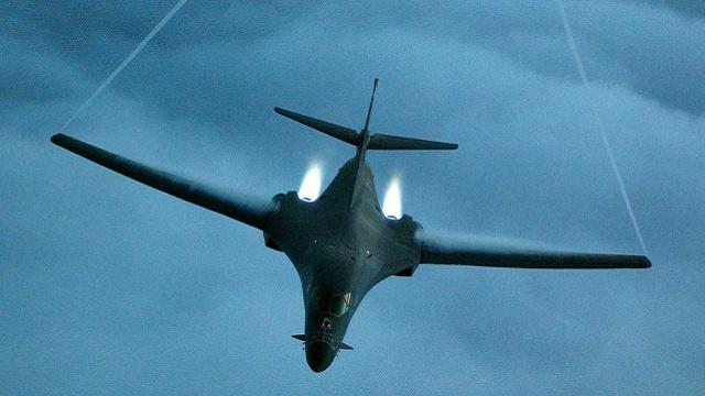 البنتاغون الأمريكي: اكتشاف مواد أولية صينية في طائراتنا من الـ F 16 والقاذفات B-1