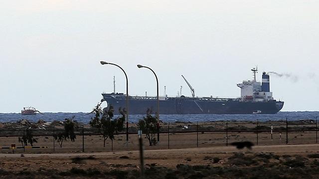 تصريحات ليبية متضاربة حول مصير ناقلة النفط مورنينغ غلوري الكورية