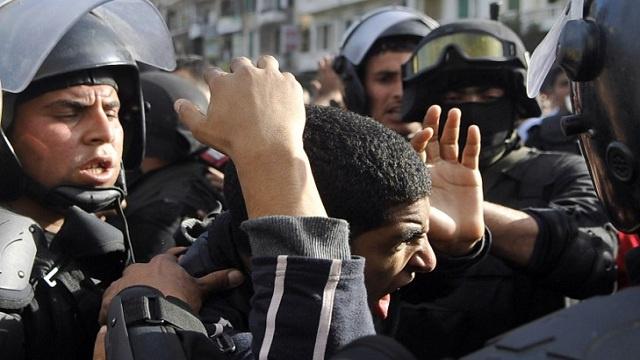 إلقاء القبض على مجموعة إرهابية تقوم بتصنيع العبوات الناسفة في مصر