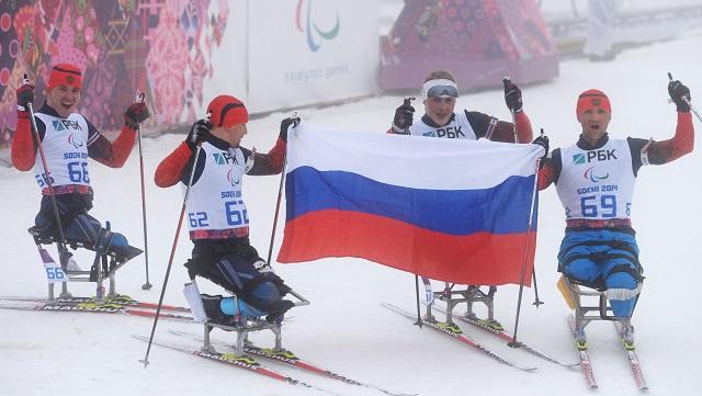 سوتشي .. روسيا تحتكر منصة التتويج للبياثلون لمسافة 12.5 كلم
