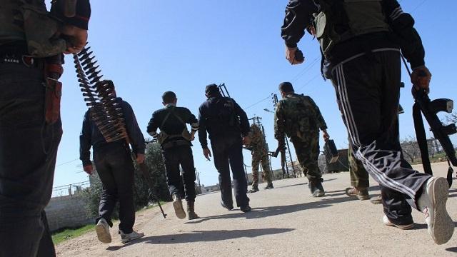 عائلات مسلمة تزود الشرطة البريطانية بمعلومات عن أبنائها خشية ذهابهم إلى سورية للقتال
