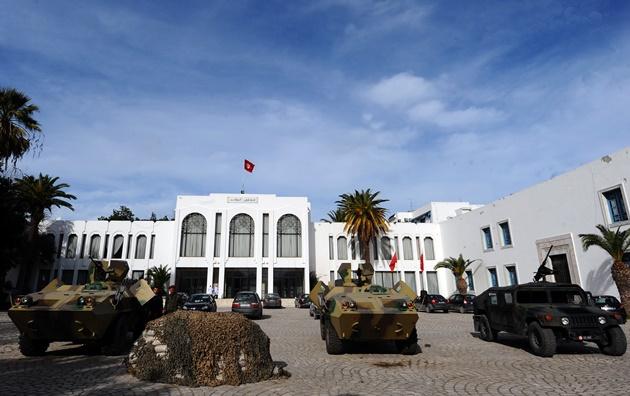 مومسات تونسيات يطالبن بإعادة فتح ماخور أغلقه متشددون