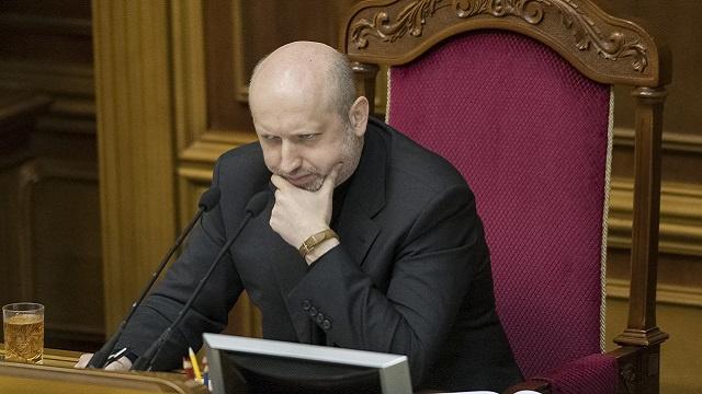 الرئيس المعين لأوكرانيا: الجيش الأوكراني لن يتدخل في القرم