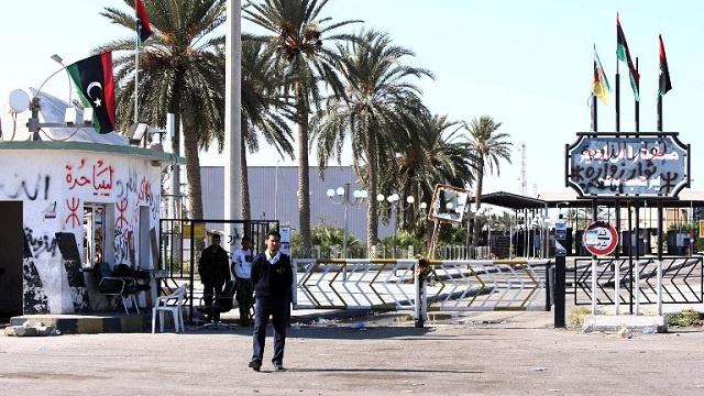 تونس: إحتجاجات بسبب استمرار غلق معبر رأس الجدير الحدودي مع ليبيا