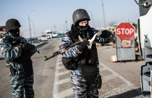 أكسيونوف: معلومات عن تحضيرات لهجمات استفزازية مسلحة من قبل