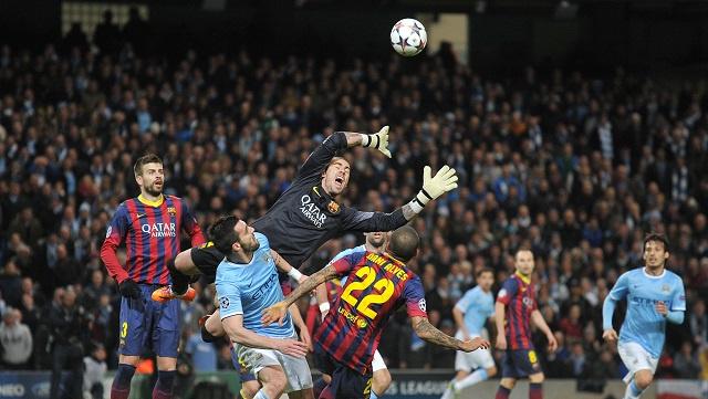 التشكيلة الأساسية لقمة برشلونة وضيفه مانشستر سيتي