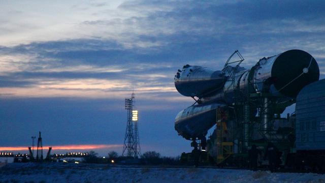 تجارب القمر الصناعي المصري تبدأ في قاعدة