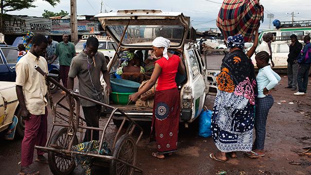 انخفاض نسبة البطالة في موريتانيا من 31% إلى 10% في السنوات الخمس الأخيرة
