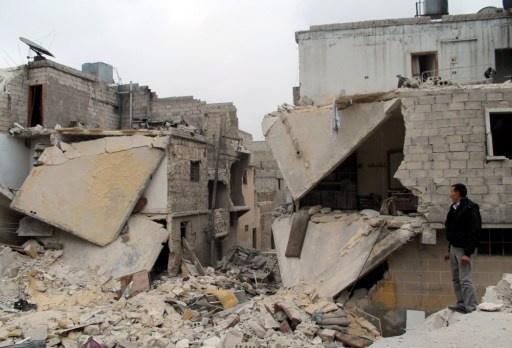عمرو موسى: جلوس الدول العظمى مع اللاعبين المؤثرين في المنطقة بداية لحل الأزمة السورية
