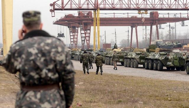 صحيفة: كييف طلبت من واشنطن سلاحا للجيش والأخيرة تعهدت بتقديم وجبات غذائية