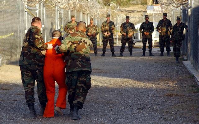 أمريكا ترحل جزائريا معتقلا في غوانتانامو إلى بلاده بعد 12 سنة دون محاكمة