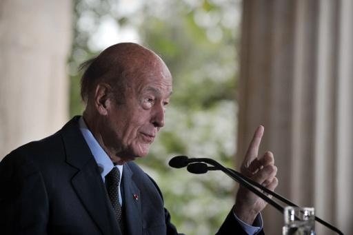 رئيس فرنسا الاسبق: الاستفتاء في القرم خيار شعبي ويجب على الغرب الا يهدد روسيا