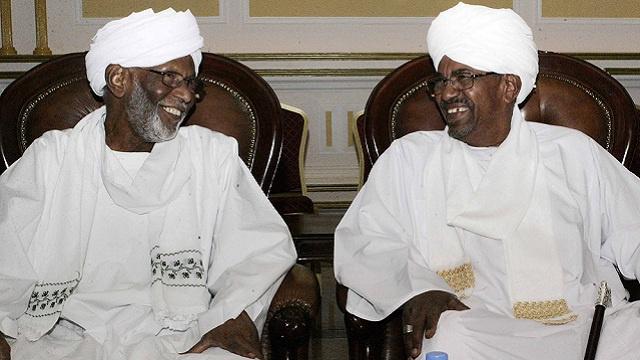 الرئيس السوداني يلتقي حسن الترابي بعد سنوات من المقاطعة