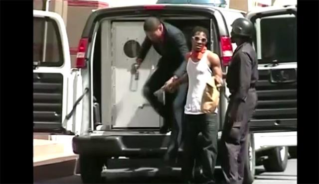 احداث شغب واشتباكات في عاصمة جامايكا بسبب معاقبة معشوق الجماهير (فيديو)