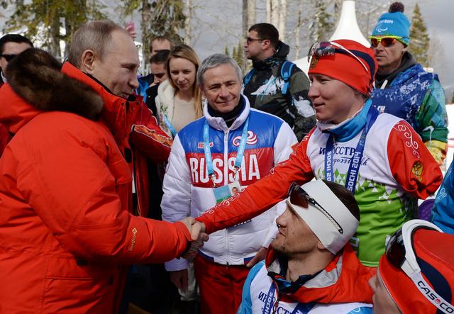 بالصور .. بوتين يهنئ الرياضيين الروس بالميداليات الذهبية في باراولمبياد سوتشي 2014