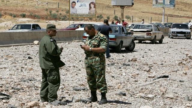 قتيل وجريحان في سقوط صواريخ من سورية على اللبوة اللبنانية