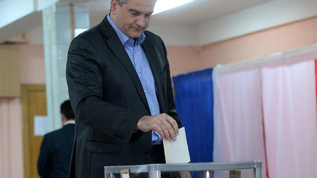 رئيس وزراء شبه جزيرة القرم: نسبة المشاركة بالاستفتاء اقتربت من 50% في القرم