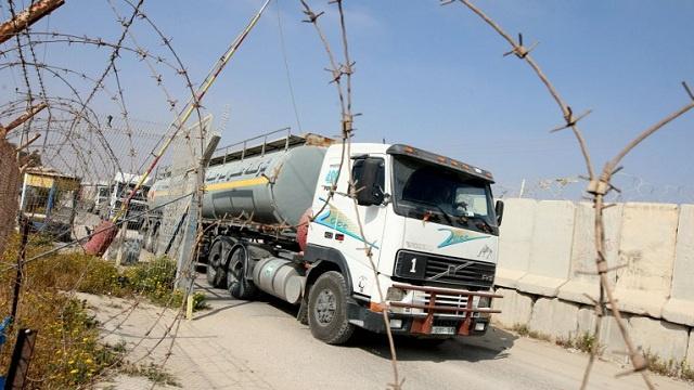 إسرائيل تعيد فتح معبر كرم أبو سالم مع قطاع غزة لإيصال الوقود إلى محطة توليد الكهرباء المتوقفة عن العمل