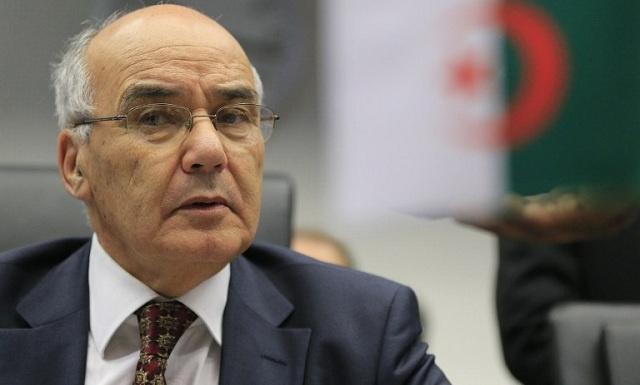 رئيس الوزراء الجزائري بالنيابة يزور مسرح الإشتباكات التي راح ضحيتها 3 قتلى