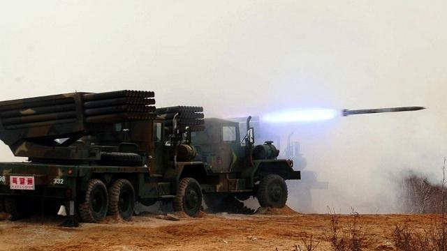 كوريا الشمالية تطلق 10 صواريخ قصيرة المدى باتجاه بحر اليابان