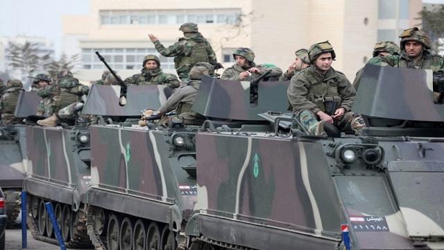 الجيش اللبناني يعزز إجراءاته الأمنية على الحدود مع سورية