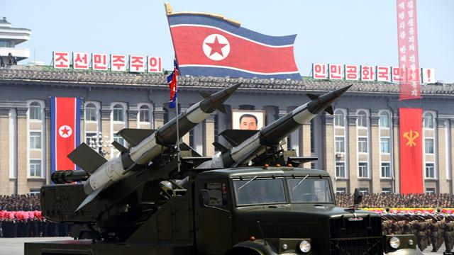 كوريا الشمالية تطلق 25 صاروخا قصير المدى باتجاه بحر اليابان