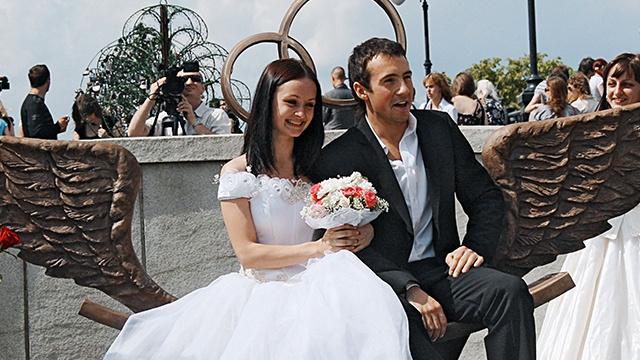 المتزوجات أطول عمرا من العوانس