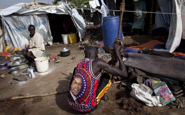 الأمم المتحدة تعد مخيمات لاستقبال النازحين في جنوب السودان