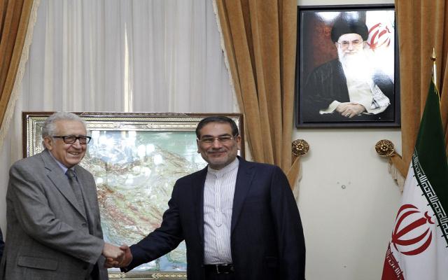 الإبراهيمي يدعو إيران إلى المساعدة في التوصل لتسوية سياسية للأزمة السورية