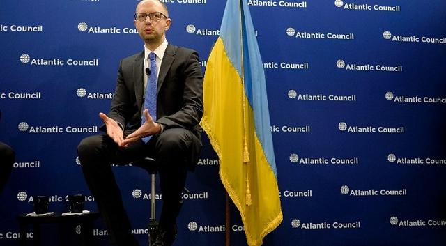 ياتسينيوك: مسألة انضمام أوكرانيا الى حلف الناتو غير مطروحة على جدول الأعمال
