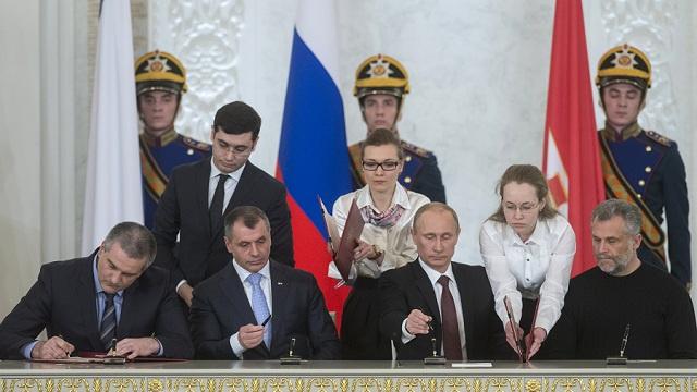 المحكمة الدستورية الروسية: معاهدة انضمام القرم الى روسيا تتطابق مع الدستور الروسي