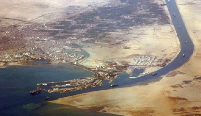 محكمة مصرية تصدر غيابيا حكما بالإعدام بحق 26 متهما باستهداف المجرى الملاحي لقناة السويس