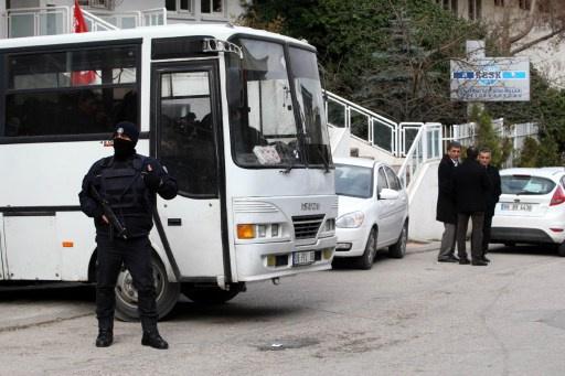 مطرود من العمل يقتل 6 زملاء وينتحر