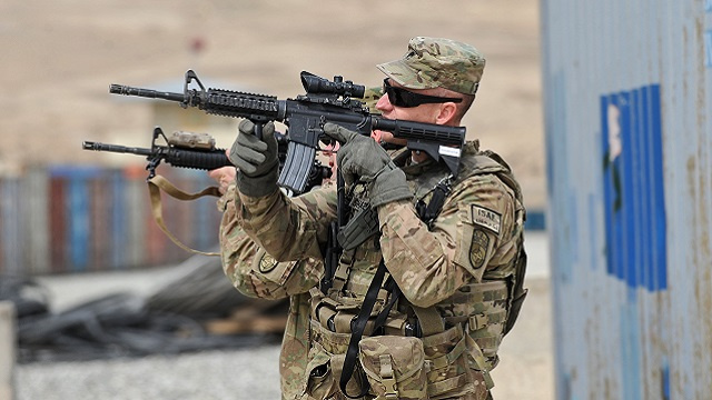 كابل ضد تسليم واشنطن لباكستان أسلحة تسحب من أفغانستان