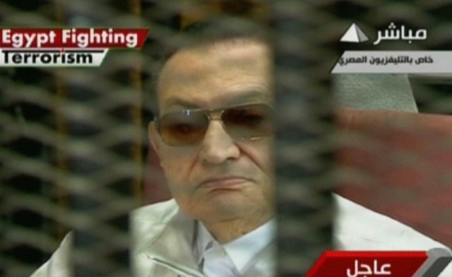 تأجيل محاكمة مبارك ونجليه في قضية القصور الرئاسية