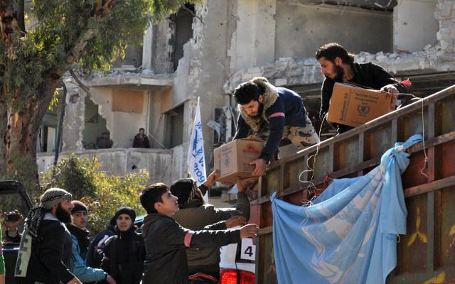 للمرة الأولى قافلة مساعدات أممية تستعد لدخول سورية من تركيا