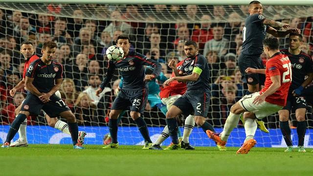 فان بيرسي يعبر بمانشستر يونايتد الى ربع نهائي دوري الأبطال