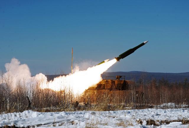 صور أكبر مناورات للجيش الروسي منذ تفكك الاتحاد السوفيتي