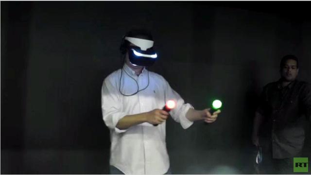 بالفيديو.. اختبار نموذج تجريبي لخوذة الواقع الافتراضي