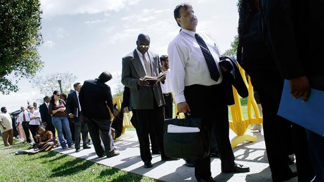 ارتفاع عدد طالبي إعانات البطالة في الولايات المتحدة