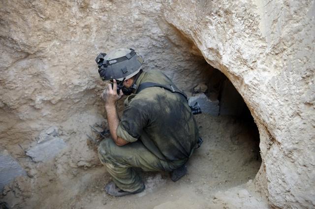 إسرائيل تعلن اكتشاف نفق على الحدود مع غزة