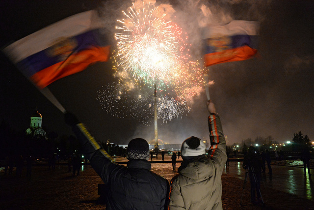 بالفيديو.. ألعاب نارية في سماء موسكو بمناسبة انضمام القرم الى روسيا
