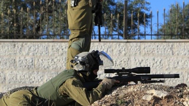 مقتل ثلاثة فلسطينيين في اشتباك مع قوة إسرائيلية اقتحمت مخيم جنين بالضفة الغربية