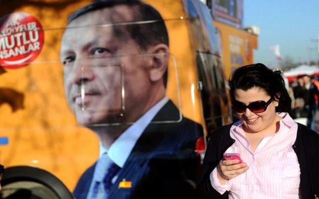 الحكومة التركية تبرر حجب تويتر بتفادي