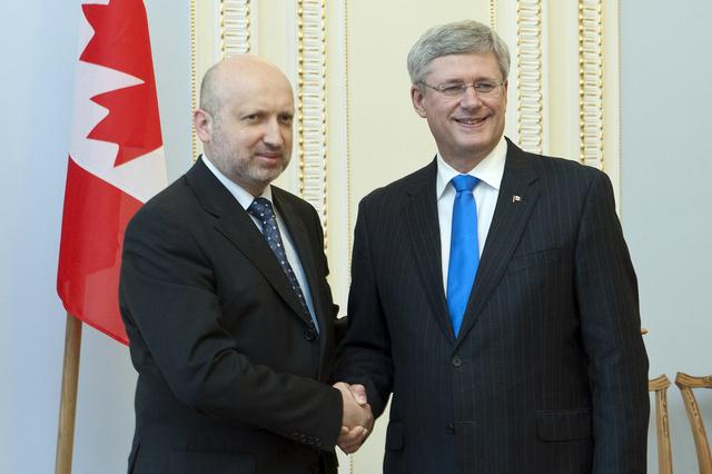 كييف تطلب دعما عسكريا من كندا
