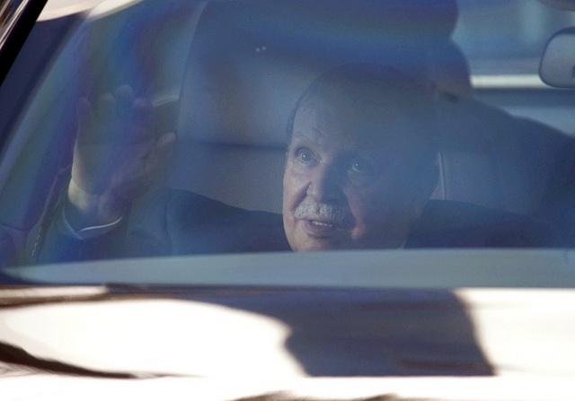 بوتفليقة يؤكد أن حالته الصحية لن تحول دون ترشحه للرئاسة