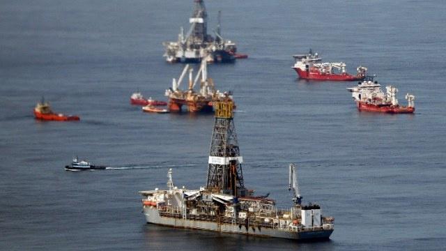 تسرب كميات من النفط إلى البحر بعد تصادم سفينتين في خليج المكسيك