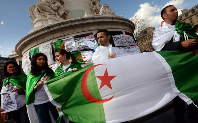 بدء الحملة الانتخابية للرئاسة الجزائرية.. وبوتفليقة يعد بإصلاح دستوري