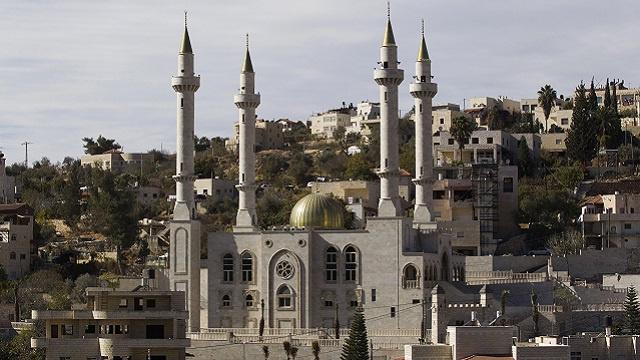الرئيس الشيشاني يشارك في افتتاح مسجد كبير غربي القدس